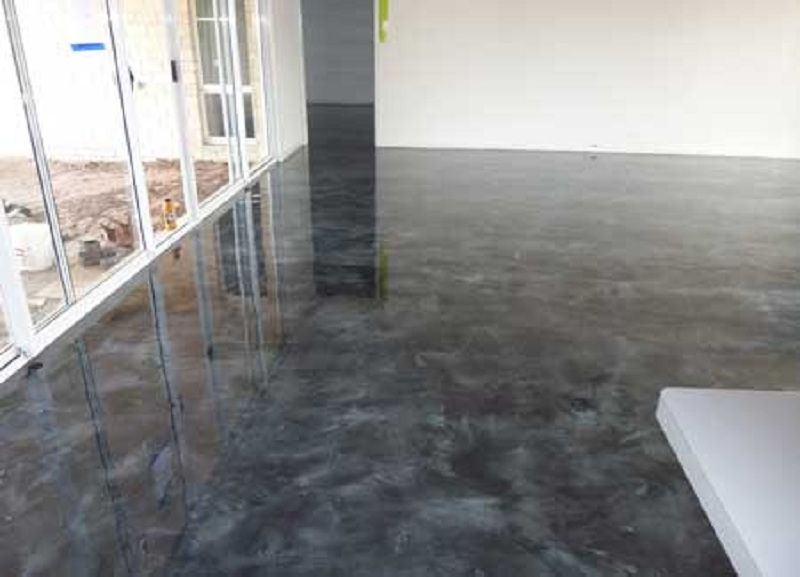 Resurfacing bathroom floor tiles
